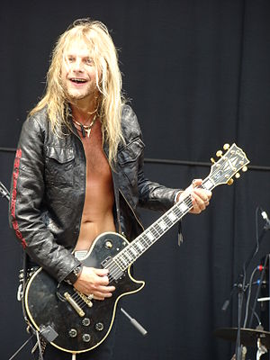 Richie Faulkner - Richie Faulkner playing live with Lauren Harris at Gods of Metal festival (2009).