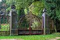 Ringhofferova hrobka vstupni brana.jpg