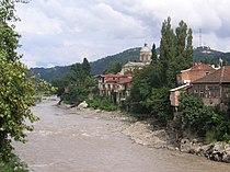 Rioni river in Kutaisi.jpg