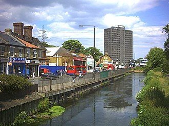 Colliers Wood - Image: River Wandle at Merton High Street (A238) geograph.org.uk 18804