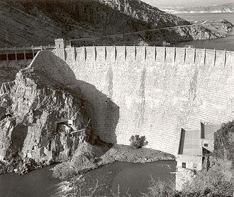 Masonry dam - Image: Roosevelt Dam original masonry
