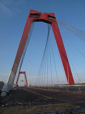 Willemsbrug - Image: Rotterdam, Willemsbrug foto 8 2010 11 28 13.40