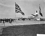 Rotterdam opgenomen in de luchtlijn Amsterdam Londen, de KLM viscount op het pla, Bestanddeelnr 910-7895.jpg