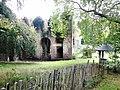 Ruines du château de Charles de Lorraine, côté extérieur.jpg