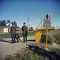 Russisch-finse grens. Grenswachtpatrioulles bij slagboom, Bestanddeelnr 254-7429.jpg