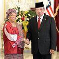 SBY dan Ellen Johnson Sirleaf di Istana Merdeka 25-03-2013.jpg