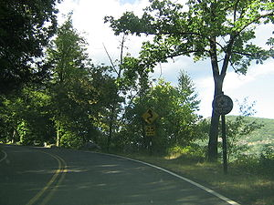 Seven Lakes Drive - Seven Lakes Drive's eastern beginning at US 9W and US 202 in Bear Mountain State Park