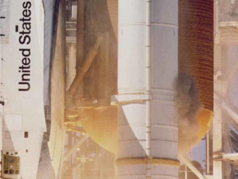 STS-51-L grey smoke on SRB