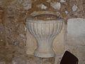 Saint-Amand-de-Vergt église bénitier (1).JPG