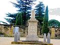Saint-Hilaire-d'Ozilhan Monument aux morts.JPG