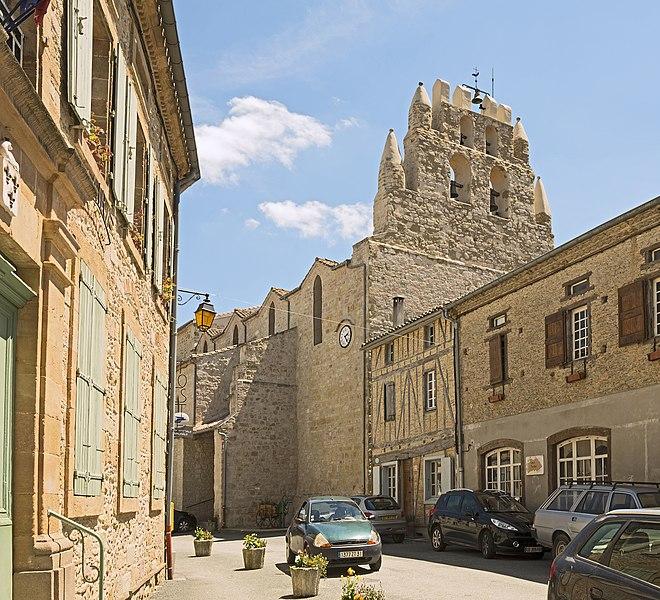 """English:  Saint-Julia, Haute-Garonne, France. Church """"Sainte-Agathe et Saint-Julien"""" and Town hall."""
