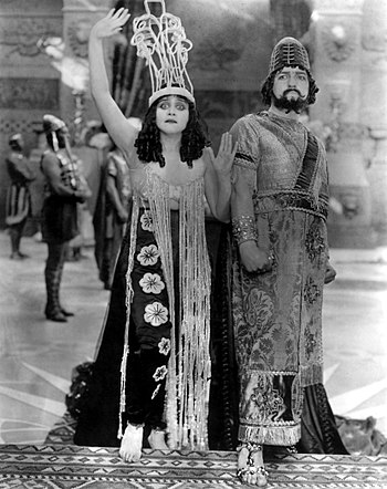 English: Theda Bara (Salome) & G. Raymond Nye ...