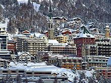 56b1ca7f40f0c0 Ortsbild beim Schiefen Turm, Januar 2014. St. Moritz ...