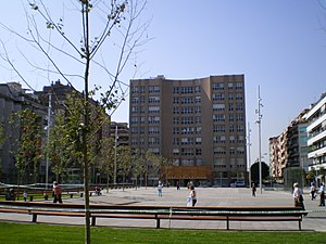 Sant Adrià de Besòs - Plaça de la Vila dominated by the city hall