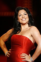 Sara Ramírez podczas The Heart Truth Fashion Show 2008.