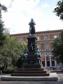 Schiller monument Vienna June 2006 594.jpg