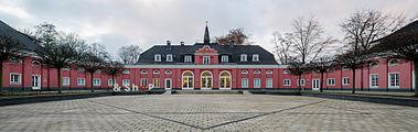Schloss-Oberhausen-Innenhof-2012.jpg