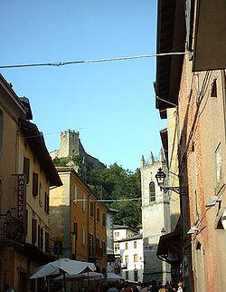 Sestola rocca e torre campanaria.jpg