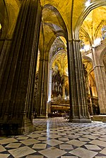 Sevilla cathedral - interior.jpg