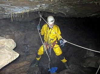 Aquamole Pot - Descending a shaft in Aquamole