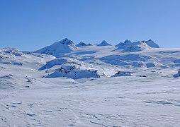 Smørstabtindan mountains and Smørstabbreen glacier in Jotunheimen Nasjonal Park.jpg