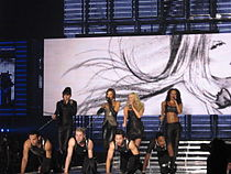 """The Spice Girls as a Four-Piece with """"Holler"""" in Cologne"""