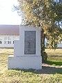 Spomenik NOB-u Orolik 01.jpg