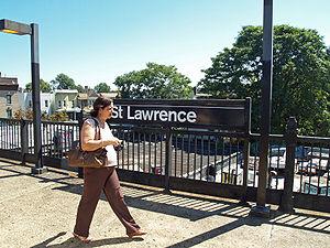 St. Lawrence Avenue (IRT Pelham Line) - Image: St Lawrence Avenue (IRT Pelham Line) by David Shankbone