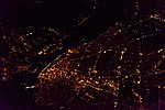 St Louis Missouri from the air (looking south).jpg