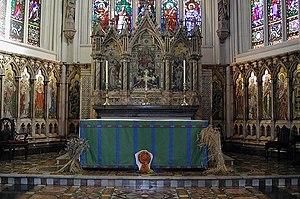 Thomas Earp (sculptor) - Earp's reredos at Leeds Parish Church