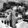 Stadsgezicht vanaf de Citadel met de moskee Al Khosrofieh - Stichting Nationaal Museum van Wereldculturen - TM-20011809.jpg