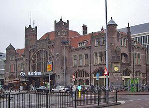 Station Haarlem Hoofdgebouw.jpg