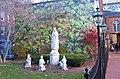 Statue I - panoramio.jpg