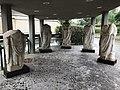 Statue di togati di epoca romana.jpg