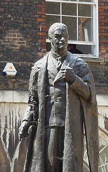 Statue of the Viscount Nuffield in Guy s Hospital  Uncle Harry was a  consultant and Prof at Guy s. 045ad64b42d54