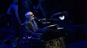 Steely Dan With The Doobie Brothers - The O2 - Sunday 29th October 2017 SteelyDanO2291017-22 (38016655002).jpg