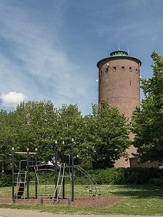 Steenbergen - Image: Steenbergen, watertoren foto 4 2015 05 30 16.15