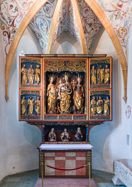 Stift Ossiach Kirche Flügelaltar 01.jpg