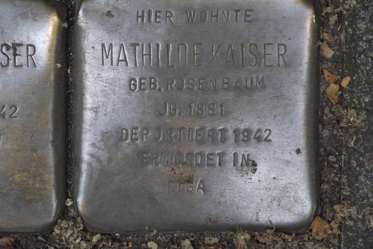 Stolperstein Duisburg 500 Altstadt Mainstraße 15 Mathilde Kaiser.jpg