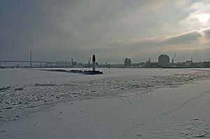 Stralsund, Mittelmole, Hafeneinfahrt (2012-02-05), by Klugschnacker in Wikipedia.jpg