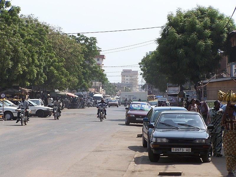 Street Lome Togo - panoramio - Milos58 (2).jpg