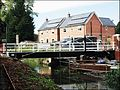 Stroud ... new swingbridge. - Flickr - BazzaDaRambler.jpg