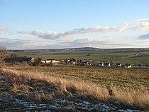 Studeněves, pohled na ves od severu.JPG