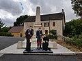 Suilly-la-Tour monument aux morts.jpg