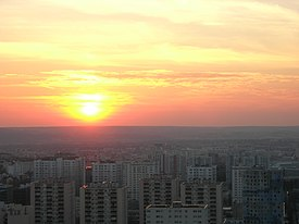 Sunset on Nanterre, France 02.jpg