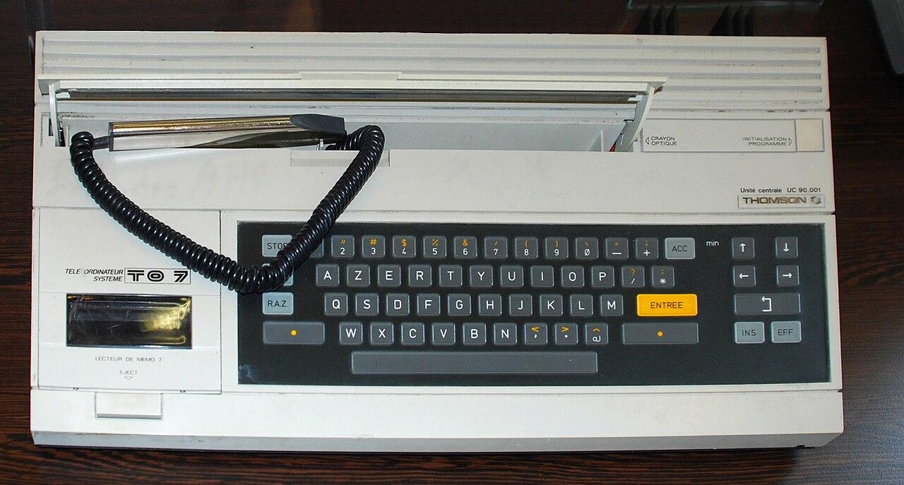 file to7 rubber keyboard jpg wikimedia commons file to7 rubber keyboard jpg