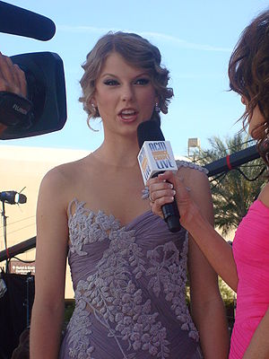 Taylor Swift at the 2010 Academy of Country Mu...