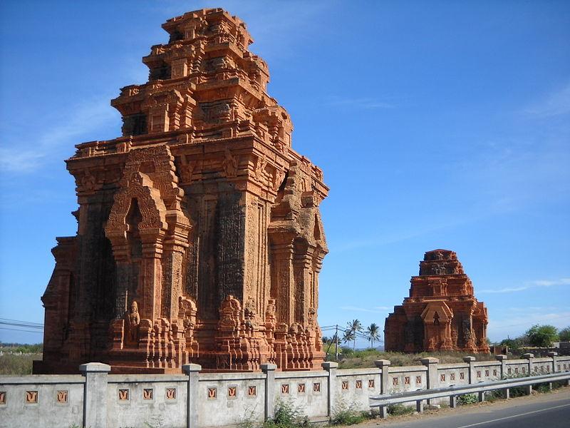 800px Th%C3%A1p H%C3%B2a Lai, Ninh Thu%E1%BA%ADn - Tìm hiểu về tháp Hòa Lai ở Ninh Thuận
