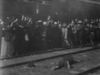 ファイル:The Great Train Robbery (1903) - yt.webm