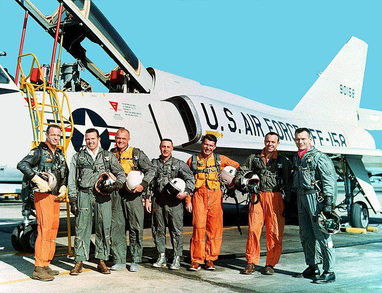 File:The Mercury Seven Astronauts - GPN-2000-001286.jpg